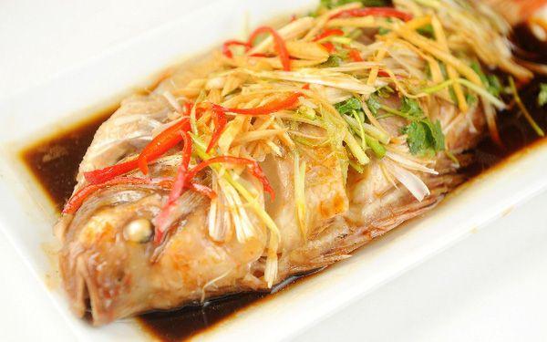 Hướng dẫn chi tiết cách làm món cá Diêu Hồng hấp Hồng Kông thơm ngon