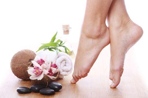 7 bí quyết chăm sóc bàn chân đơn giản