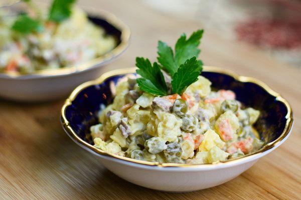 Cách làm Salad Nga dinh dưỡng đơn giản tại nhà