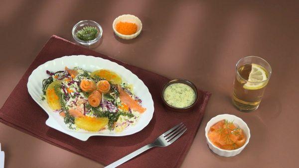 Cách làm món salad rong nho cá hồi dễ ăn, lạ miệng tại nhà