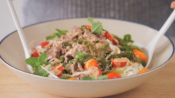 Hướng dẫn cách làm salad rong nho thịt bò ngon như ngoài hàng