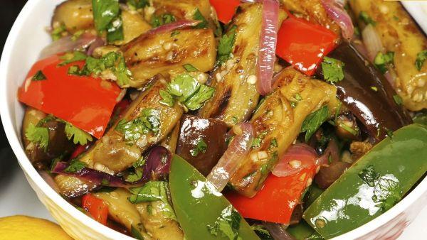 Cách làm món salad cà tím ớt chuông chua ngọt, dinh dưỡng cho cả gia đình