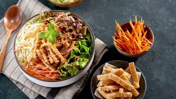Mách bạn cách làm món salad đậu hũ chiên thơm ngon như ngoài hàng