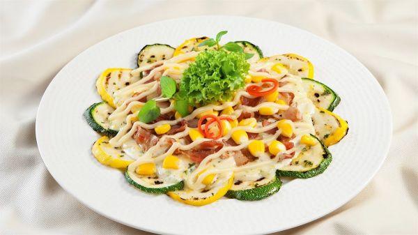 Cách làm món Salad bí ngòi nướng ngon ngọt đơn giản cho gia đình