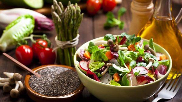 Hướng dẫn cách làm món Salad hạt chia giải nhiệt ngày hè