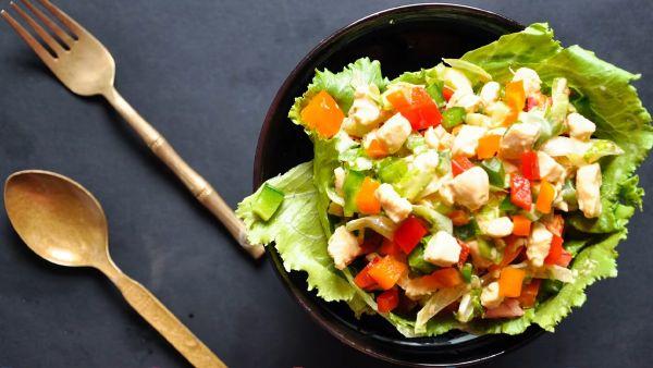 Cách làm món Salad ớt chuông thịt gà đơn giản tại nhà