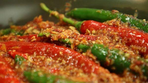 Mách bạn cách làm món kim chi ớt hấp dẫn cho gia đình