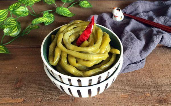Hướng dẫn bạn cách làm món đậu đũa muối chua lạ miệng tại nhà