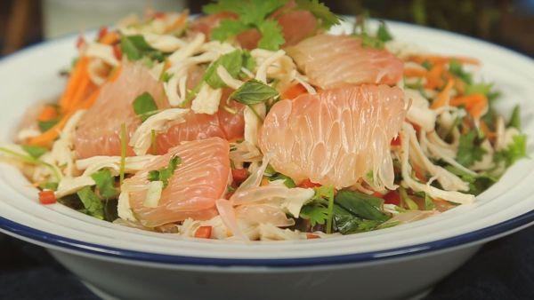 Cách làm món gỏi bưởi thịt gà thơm ngon đơn giản đậm vị tại nhà