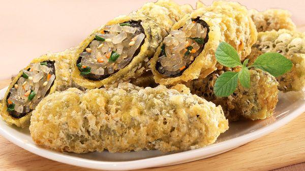 Hướng dẫn cách làm món miến cuộn rong biển chiên giòn hấp dẫn, lạ miệng cho cả gia đình