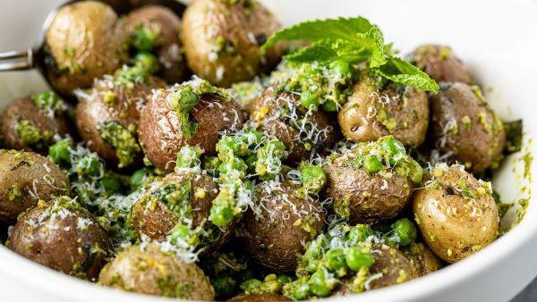 Hướng dẫn cách chế biến món salad pesto khoai tây cực kỳ thơm ngon và bổ dưỡng