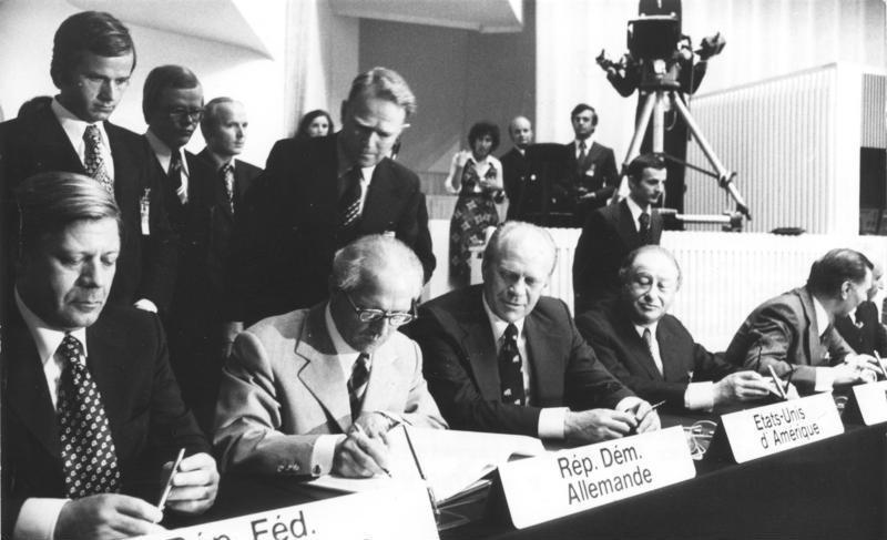 Hình 4: Buổi tuyên bố chấm dứt chiến tranh lạnh (tháng 12/1989)