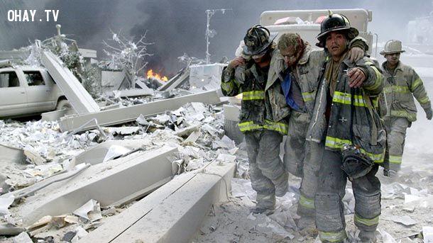 Hình 5: Vụ tấn công khủng bố ở Mĩ 11- 09- 2001