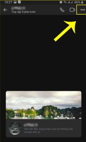 Chọn dấu ba chấm ngang góc phải màn hình
