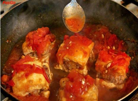 Quy trình chế biện đậu phụ nhồi thịt rán sốt cà