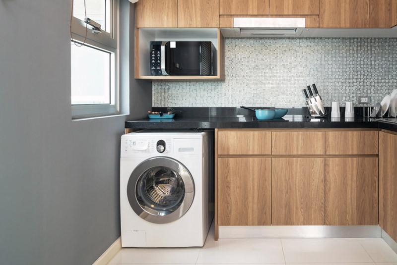 Tận dụng khoảng trống của máy giặt để vật dụng của bạn gọn gàng hơn