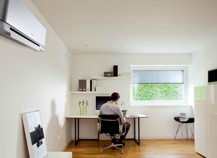Mở cửa sổ và cửa chính để không khí được đối lưu