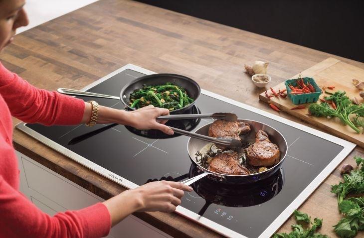 Nên sử dụng bếp điện từ hoặc bếp hồng ngoại