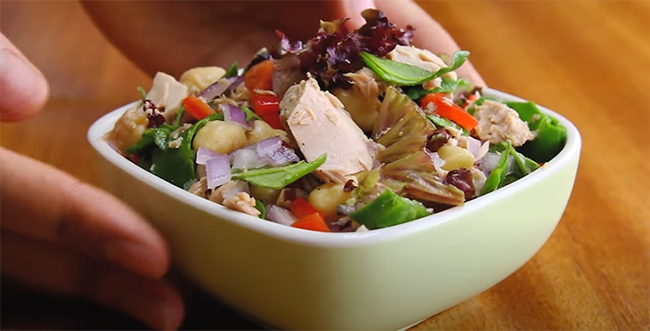 Salad cá ngừ ớt chuông bó xôi