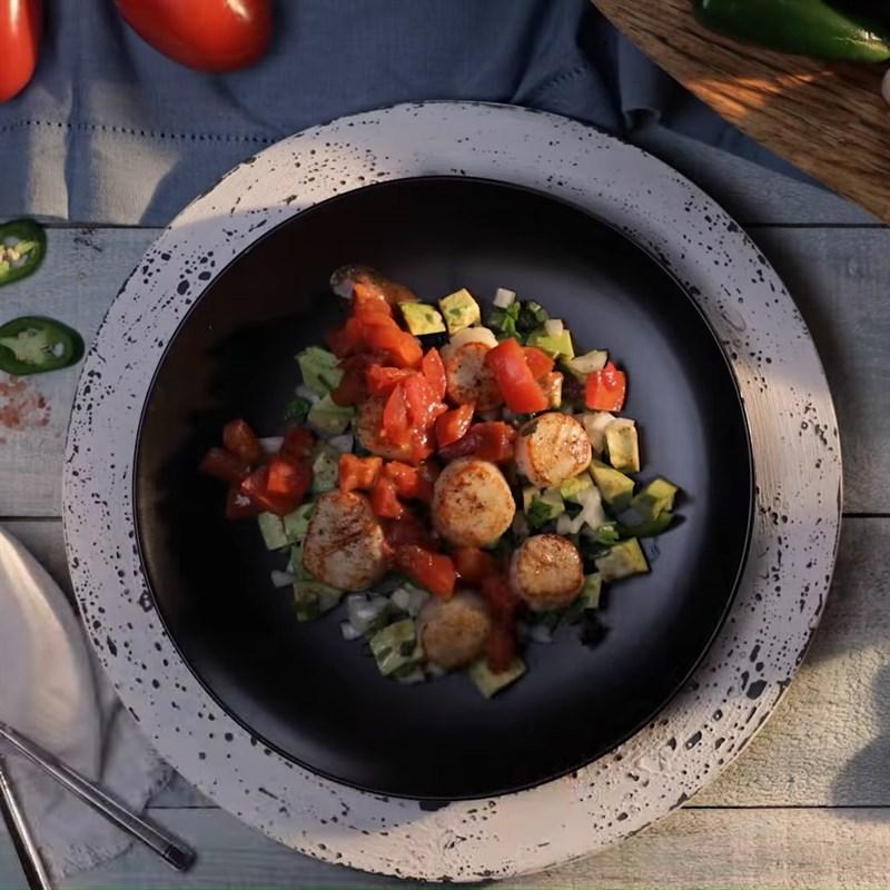 Thành phẩm món Salad sò điệp và bơ
