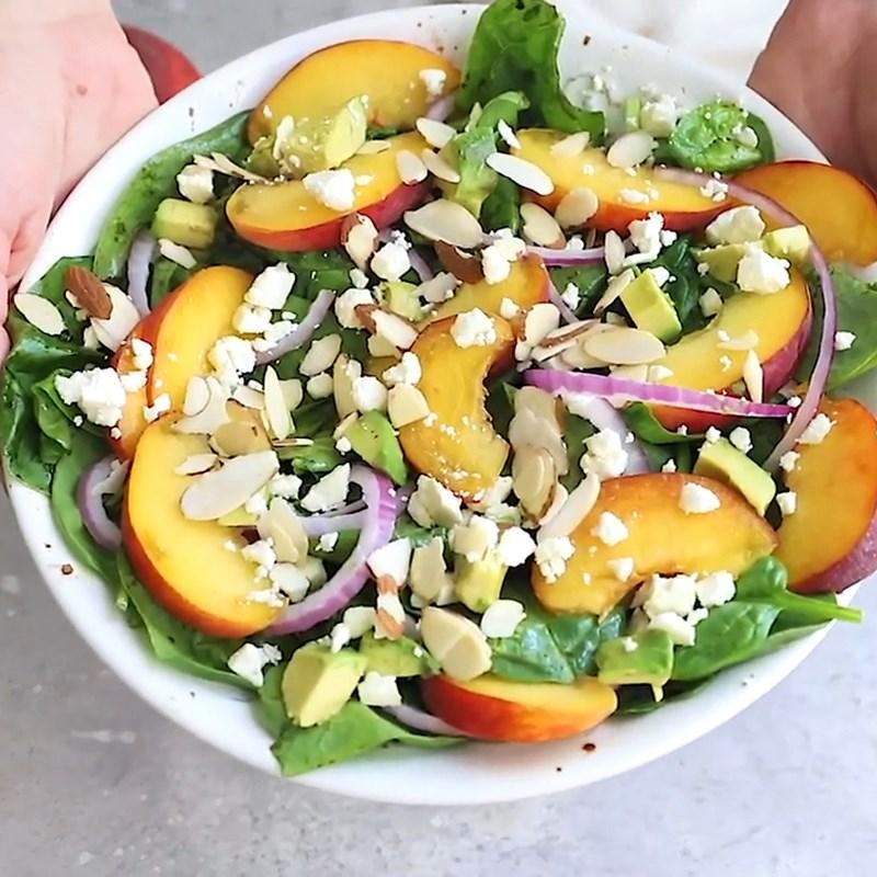 Thành phẩm món salad đào rau bina