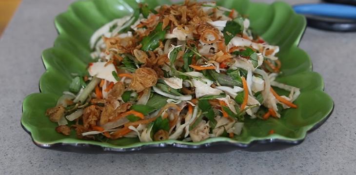 Thành phẩm món gỏi gà bắp cải