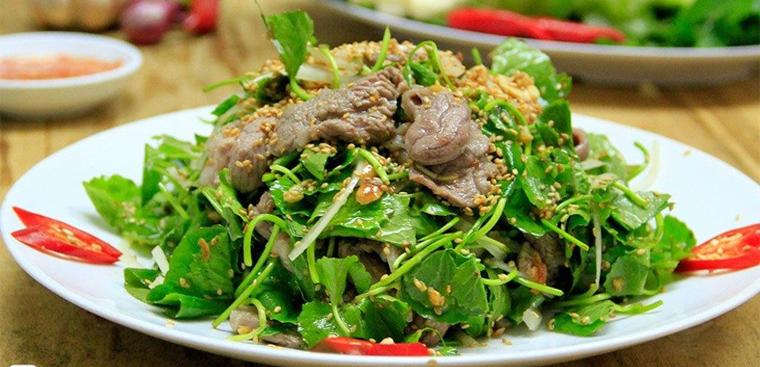 Thành phẩm món gỏi rau má trộn thịt bò
