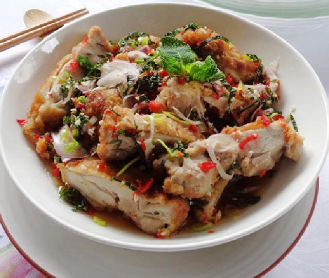 Thành phẩm món salad gà cay