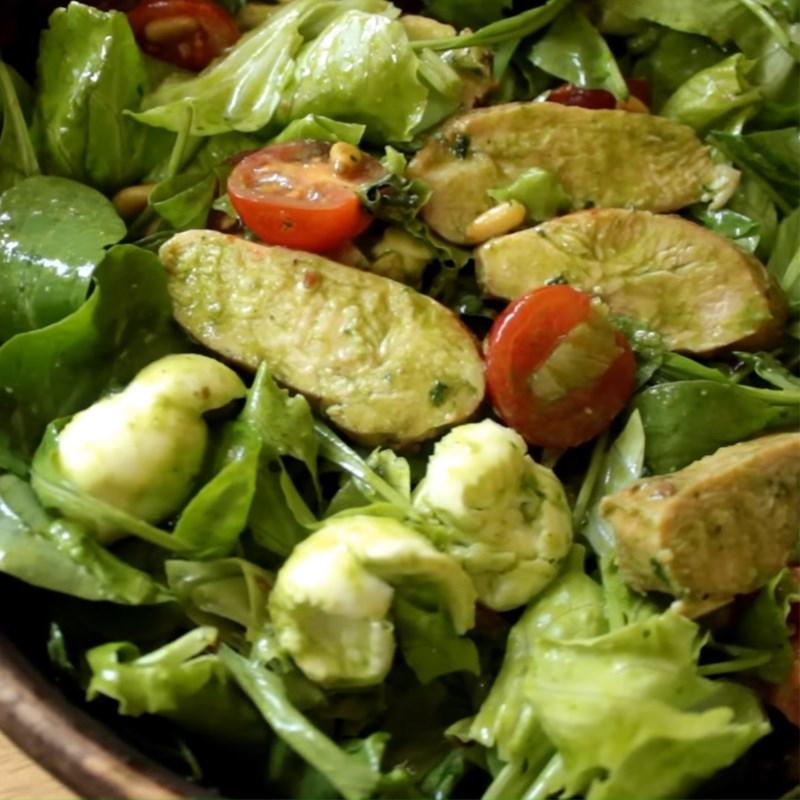Salad pesto ức gà