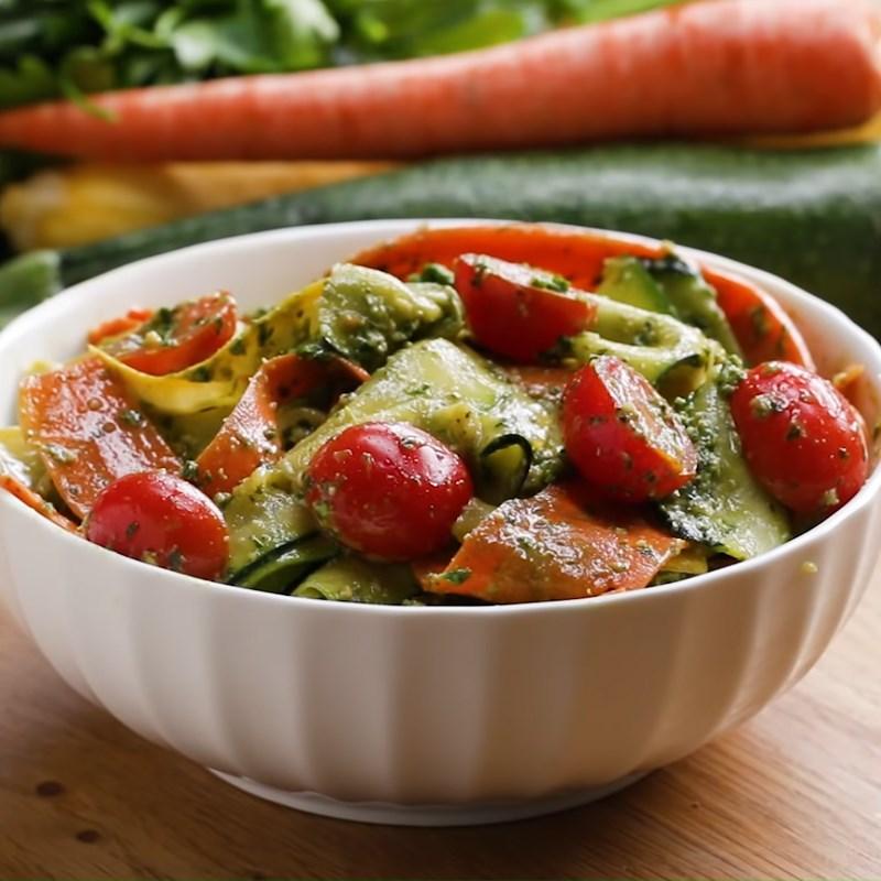 Thành phẩm salad pesto rau củ